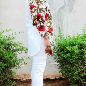 Chemise africaine blanche & fleur